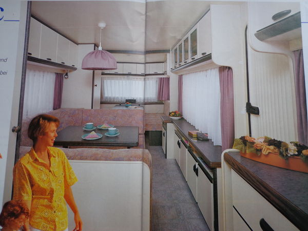 Caravane d 39 occasion vendre entre particulier caravane for Caravane chambre 19 meubles