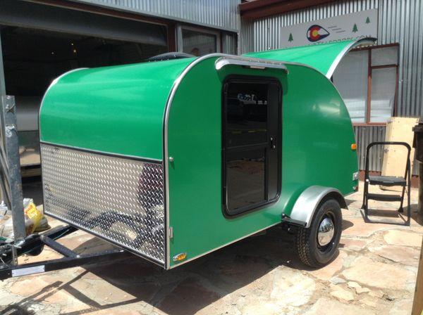 caravane am ricaine occasion annonces de caravanes d. Black Bedroom Furniture Sets. Home Design Ideas