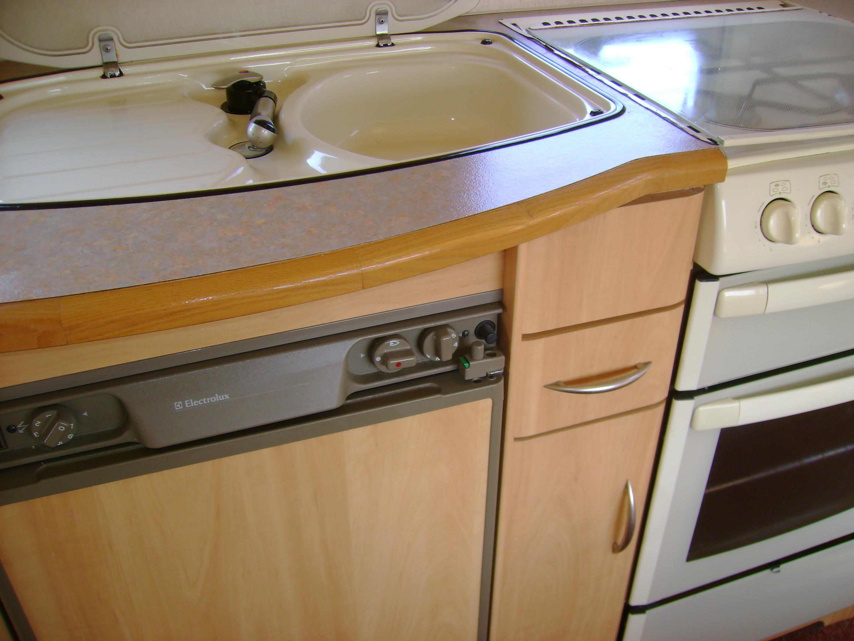 caravane d 39 occasion vendre entre particuliers caravane. Black Bedroom Furniture Sets. Home Design Ideas