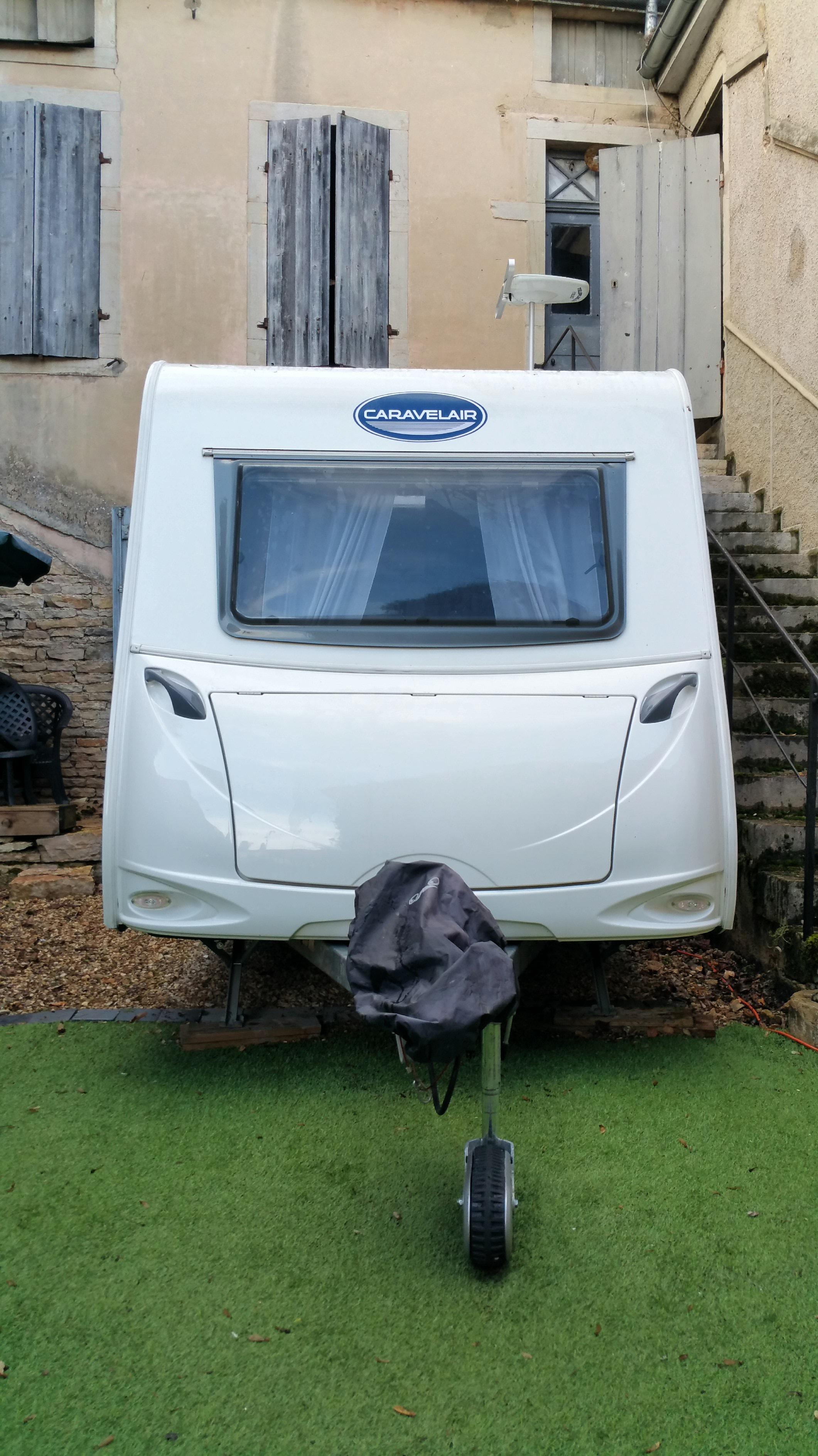 caravane occasion franche comt annonces de caravane. Black Bedroom Furniture Sets. Home Design Ideas