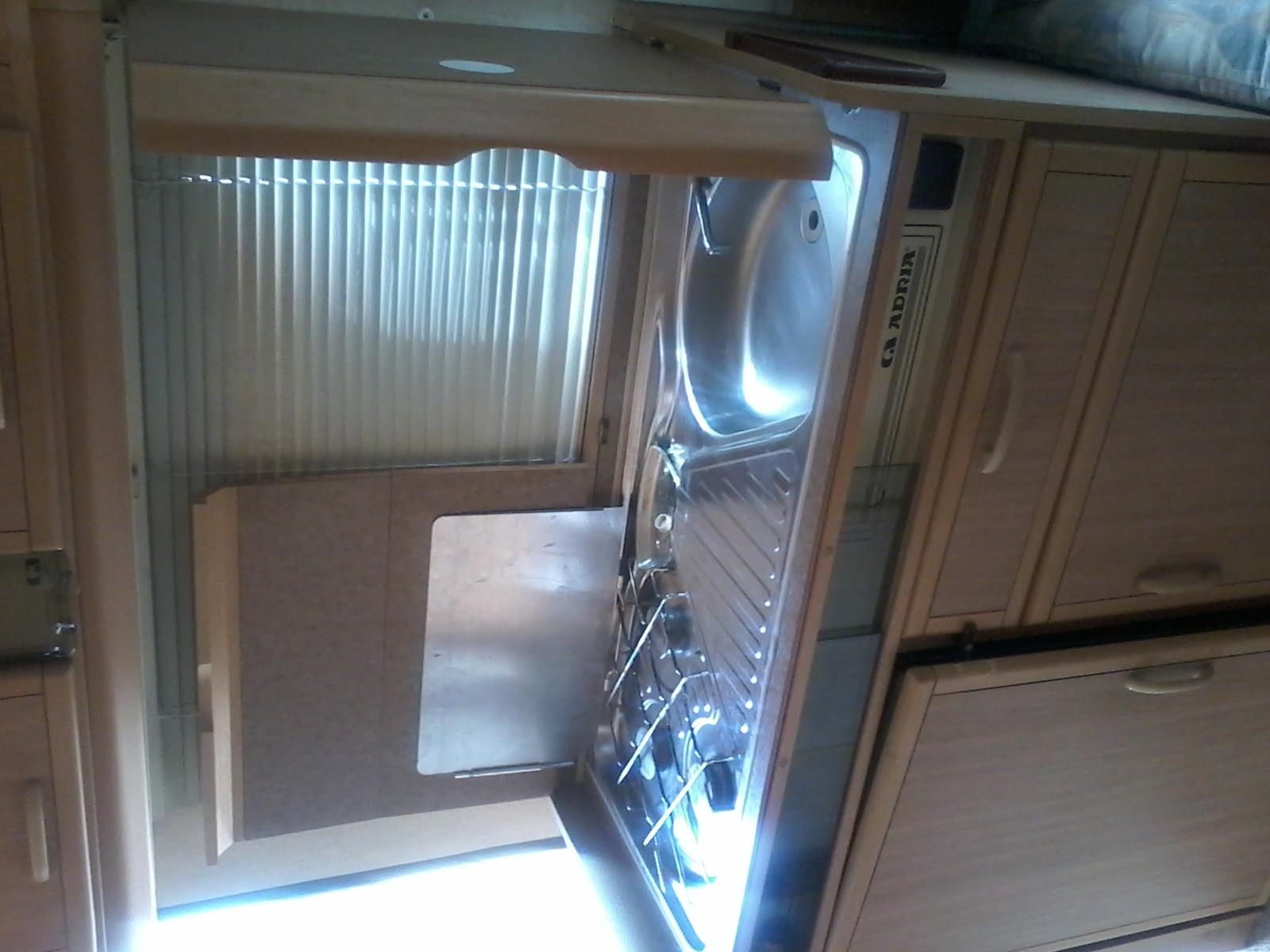 caravane rigide occasion annonces de caravanes d 39 occasion caravane occasion. Black Bedroom Furniture Sets. Home Design Ideas