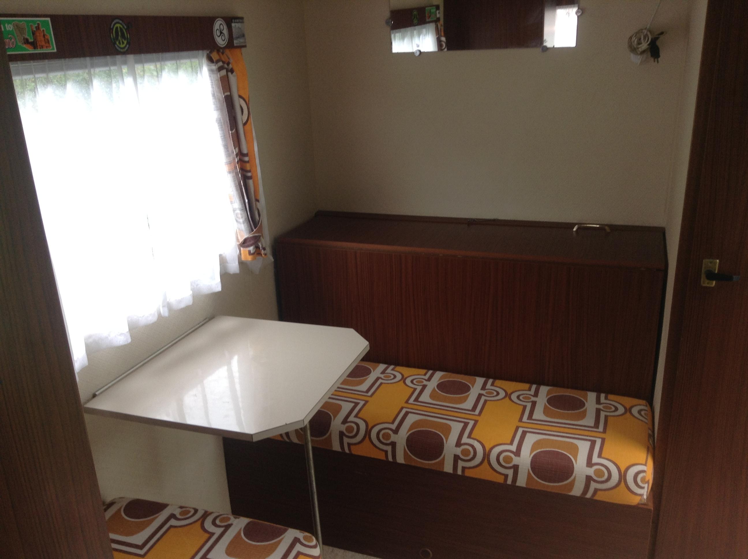 caravane caravelair occasion annonces de caravane occasion. Black Bedroom Furniture Sets. Home Design Ideas