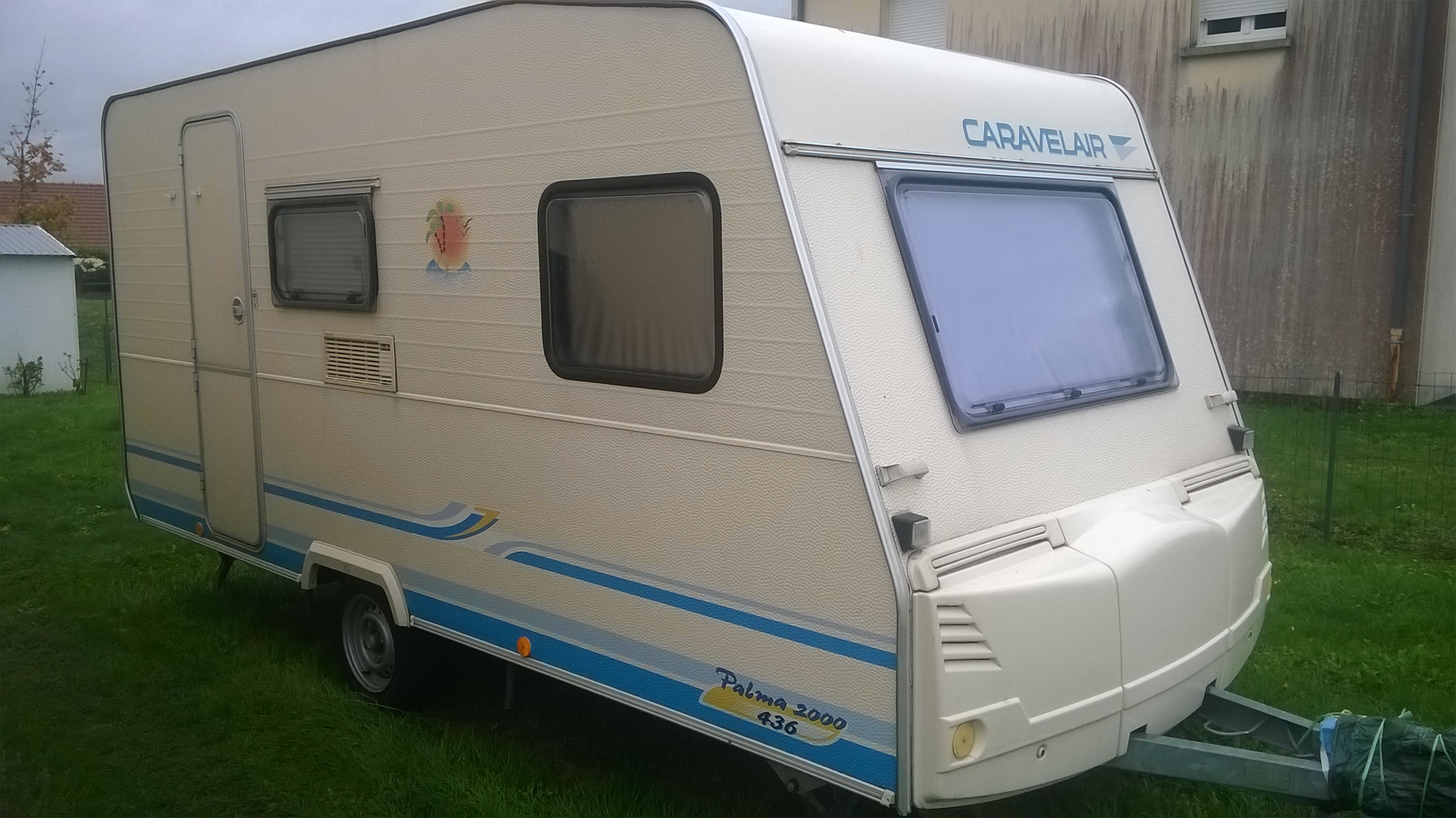 caravelair caravane occasion. Black Bedroom Furniture Sets. Home Design Ideas