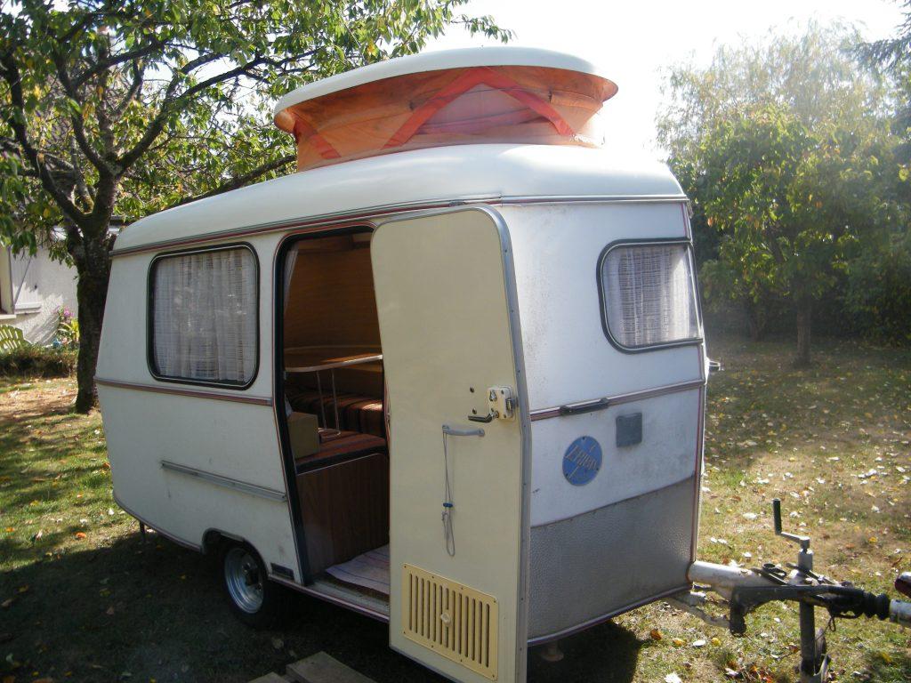 caravane surbaiss e eriba puck caravane occasion. Black Bedroom Furniture Sets. Home Design Ideas